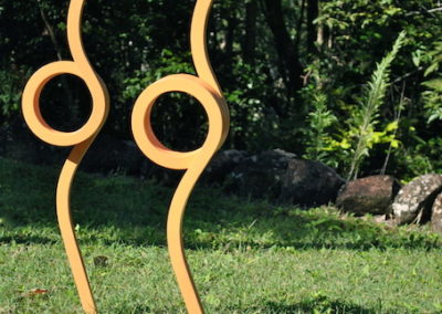 2010 Two Birds. Recycled Farm Steel and Paint. 93cm high